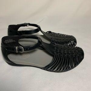 BareTraps strappy sandal black NWOT